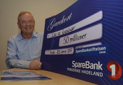 Store beløp: Omtrent 50 millioner kroner har Sparebankstiftelsen Gran gitt til lokalt idretts- og kulturliv siden starten for sju år siden. – Det er mye penger, det, sier Ivar Fjærtoft.