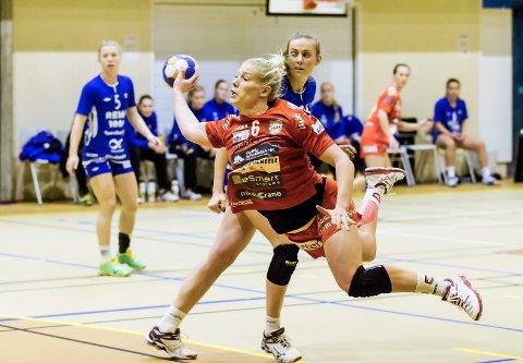 GIR SEG: Julie Nicoline Bang gir seg i HK Halden etter sesongen, og flytter hjem til Danmark.
