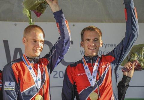 HÅPER PÅ NY JULBEL: Magne Dæhli (t.h.) og Olav Lundanes løp det norske stafettlaget inn til gull under VM. På søndag er det ny stafett - denne gang under NM i Bodø.