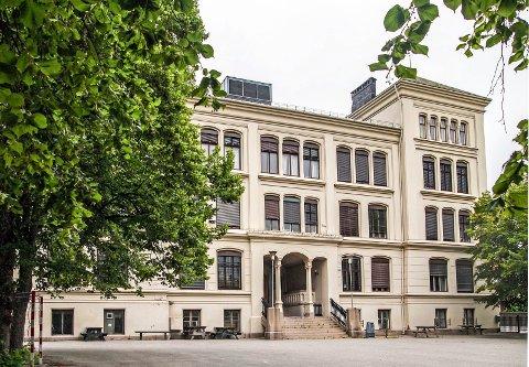 RIVES?: Ola Berglund spør i denne insendte artikkelen om Rødsberg ungdomsskole er planlagt revet.