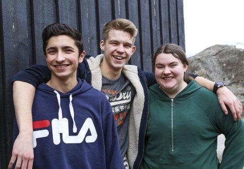Kinsarvik: Jakob Al Bayati, Nicolaj Disselhorst og Linnea Tangnæs Opedal var dei som sikra 10. klasse ved Kinsarvik skule finalebillett til NRK-konkurransen Klassequizen. No skal dei til den nasjonale finalen.