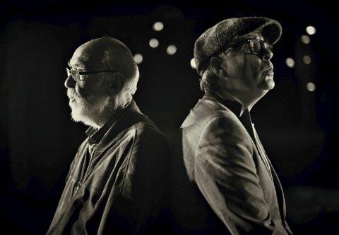 NÆRE VENNER: Kolbein Falkeid og Øyvind Staveland under innspillingen av musikkvideoen til låta «Natt» i 2018.