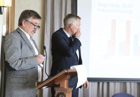 Rapport: Økonomisjef Frank Pedersen la fram regnskapstallene onsdag, og sammenliknet kommunen med Titanic. Foto: Jill-Mari Erichsen