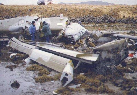 VRAKET: Flyet brakk i flere deler under kræsjlandingen i Honningsvåg.