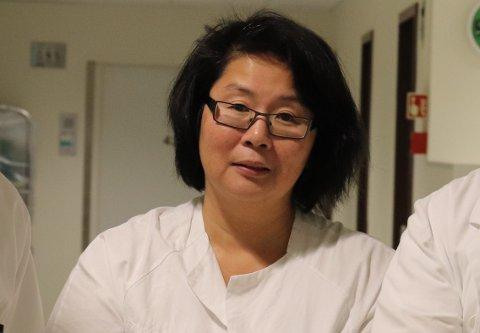 SPESIALIST: Liv Einmo ved Helgelandssykehuset i Sandnessjøen er spesialist i gynekologi og fødselssykdommer.
