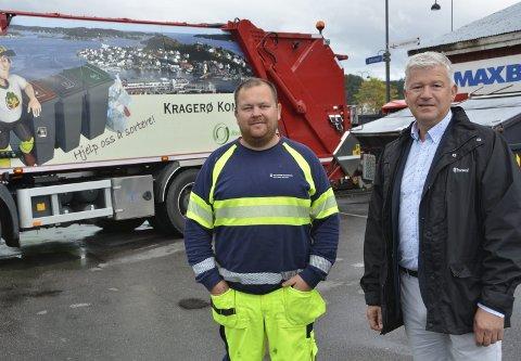 Overtar selv: Kragerø kommune vil overta den kommunale renovasjonen selv på permanent basis, noe renovatør Jan Erik Aasvik (t.v.) og ordfører Jone Blikra er glade for.