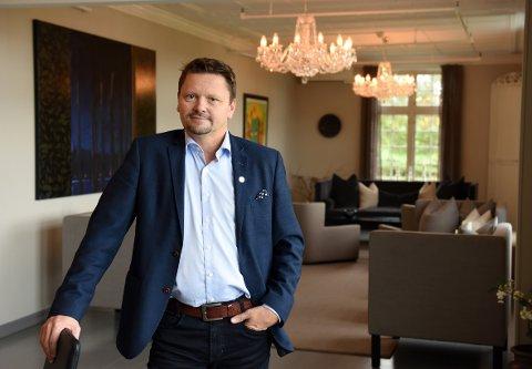 Styreleiar Sverre Olav Handeland i Fjelberg Kraftlag fortel at det no pågår ein strukturell prosess for å få mest mogleg pengar for aksjane.