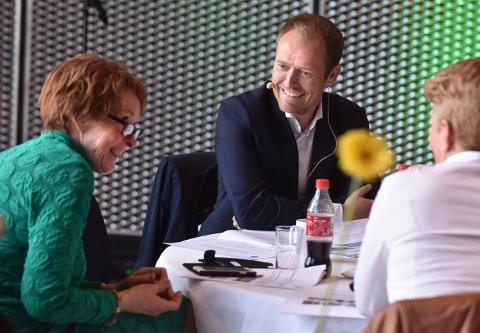 Klarer ordfører Kari Anne Sand og Kongsberg kommune å trekke Svein Graff og andre utflyttere hjem igjen? Kanskje, svarer Graff selv, men poengterer at det er enklest før barna begynner på skolen.
