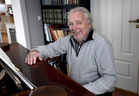 NÅ ER DET SLUTT: Etter 25 år, har Per Egil Hovland fra Lierbyen spilt sin siste Stille time-konsert i Frogner kirke.