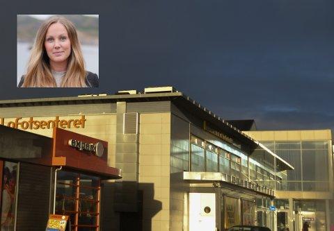Kjersti Fossåskaret Eltoft Krüger (innfelt) ble ny daglig leder på Lofotsenteret på Leknes i desember 2017. Hun forteller at senteret økte omsetningen med 4,4 prosent i 2019. - Utfra marked, trender og bransjer har det vært en fin utvikling, sier hun.