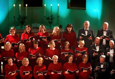 TRADISJON: Moss kammerkor inviterer til stemningsfull julekonsert i Moss kirke.