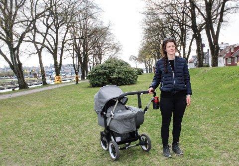 TRYGGHET: Maria Molteberg Wiborg i Moss fikk ha jordmor i beredskap da hun skulle føde for andre gang i mars. Det ga henne trygghetsfølelse.