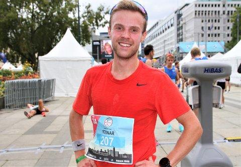 Steinar Riksaasen løp inn til ny personlig bestenotering på halvmaraton i Oslo Maraton.