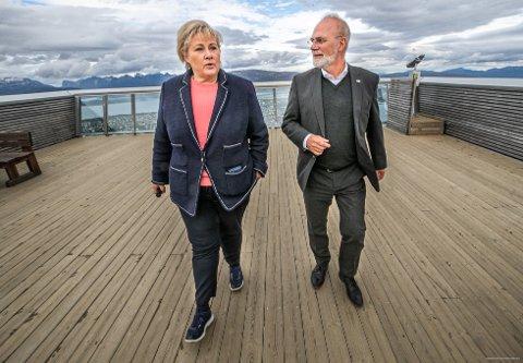 PÅ TROMSØS TAK: – Tromsø trenger en ordfører som setter mennesker i fokus, sier statsminister Erna Solberg og mener Hans Petter Kvaal vil være en god ordfører for Tromsø.