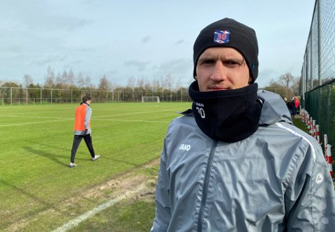 SERIESTART: Runar Espejord og Heerenveen skal starte Eredivisie mot Willem II lørdag. Hvis seriestarten viser at 24-åringen ikke er med i førstelagsplanene, er TIL inne på tanken om å prøve et lån hjem.