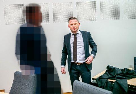 TILTALT FOR BEDRAGERI: Forsvarer Jan Kristian Kvanvik la fredag ned påstand om full frifinnelse for eks-advokaten.