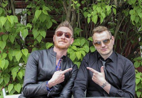 HOPPER ETTER SØRUM: Adam Douglas (t.v.) og Knut Anders Sørum er gode busser. Nå gir Douglas alt for å vinne årets utgave av Stjernekamp.