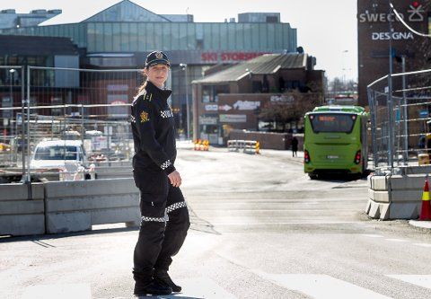 Politioverbetjent Solveig Aarvik Kjeserud er klar på at ungdoms flest i Nordre Follo oppfører seg fint.