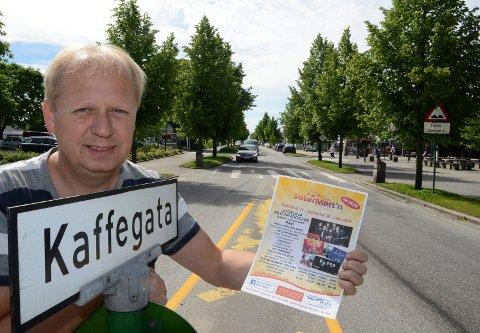 KLART:  Arrangementsansvarlig ODd Erland Dalen ig hele Flisa er klar til den store gratisfesten i KAffegata og ellers på Flisa.