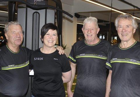 SAMLES PÅ SENTERET: Egil Svarstad, Heidi Carine Andersen, Svein Madsen og Tor Nilssen. Pensjonistene samles ofte for trening og prat på treningssenteret.