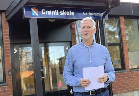 LITE IMPONERT: Rektor Bjørn Kronstad på Grønli mener hendelsen torsdag var uforsvarlig. Nå forventer han en oppsummering, hvor skolene får fortelle hvordan de opplevde situasjonen.