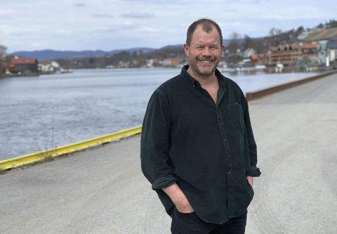 MÅTTE UTSETTE: Festivalarrangør Hans Arne Frøland har brukt tid på å sy sammen festivalen på nytt for at den skal være mulig å arrangere med begrenset billettsalg. – Veldig ålreit om vi kan tilby en festival, sier han.
