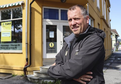 Hektisk: Gunnstein Ekman-Sunde er fullbooket gjennom hele fellesferien. – Vi håper å være à jour i midten av august, sier han.