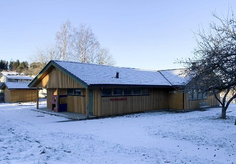 OVERTATT: Gamle Tveitanlia barnehage i Vikingvegen står tom etter at barn og ansatte endelig kunne ta i bruk nye Maristien barnehage på Frednes. Nå vil Rose Eiendom bygge boliger her.