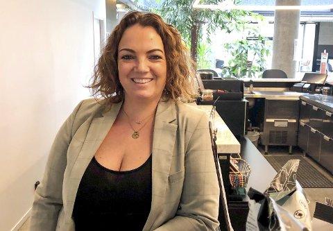 POSITIV: – Situasjonen ser bedre ut nå enn for noen uker siden, men det er veldig vanskelig å spå hva som skjer framover. Vi er spente på «hvor vi ligger» etter påske, når så mange har vært ute og reist, sier Comfort Hotel Porsgrunn-direktør Kristine Palmgren.
