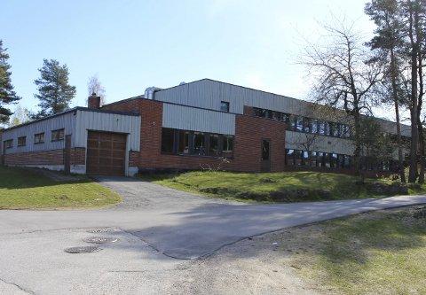 BLIR LEDIG: Kommunen må finne ut av hva de skal bruke ungdomsskolen på Stridsklev til når cirka 200 elever flyttes ned til Tveten rundt årsskiftet 2022–2023.