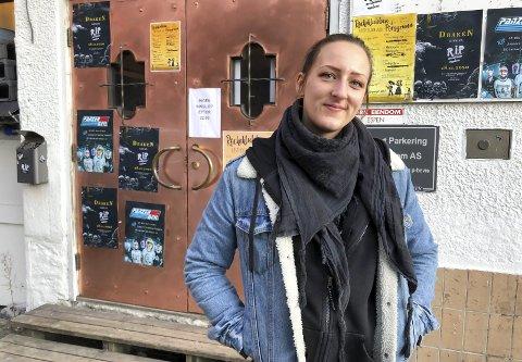 – HELT GULL: Heidi Bekkevold setter stor pris på at fylkeskommunen støtter RiP med tilskudd på 50.000 kroner i 2021. Til helga åpner de dørene etter å ha holdt stengt i tre måneder. – Endelig blir det live musikk hos oss igjen, sier RiP-lederen til PD.