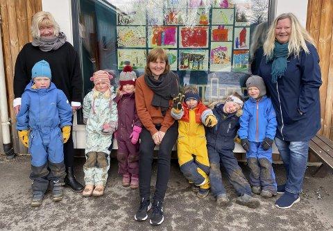 VETERANER: Liv Lio (60), Hilde Arnesen (62) og Tove Svartangen Hegna (63) har jobbet i Liane barnehage i Hovenga siden åpningen for 30 år siden. De forteller om en rivende utvikling og stor forandring i hvordan de engasjerer barna i dag.