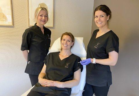 NYÅPNING: Sykepleierne Vibeke Åby, Vivian Hegna og Monica Rogn Hegna har åpnet ny klinikk på BS-senteret på Stathelle. De har videreutdannet seg som estetiske sykepleiere og har en lege med på laget. – Det er spennende å jobbe på en annen måte, sier de.