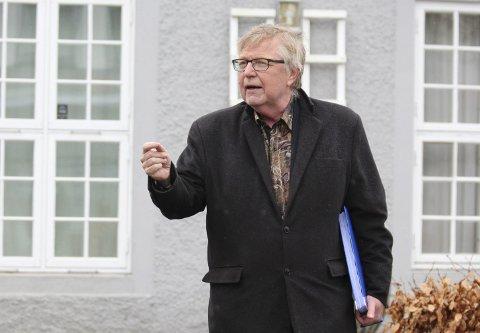 HASTESAK: Frønes skriver at fordi saken haster, varsler han søksmål mot Porsgrunn kommune ved at de ulovlig pålegger 3 av 30 tomter et rekkefølgekrav som er ugyldig.