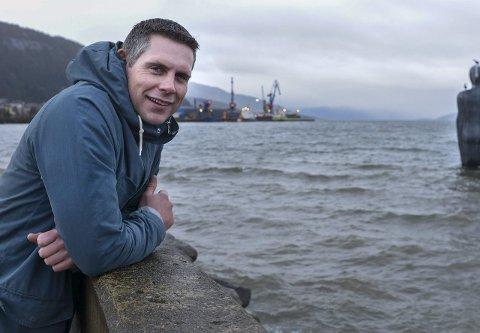 Initiativtaker: – Det er fellesskapet jeg synes er viktigst, sier Håkon Dehlin som i fjor samlet rundt 5.000 ranværinger til fellesoppskytning.foto: Øyvind Bratt
