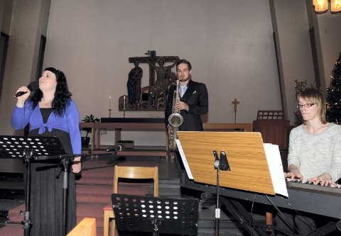 Variert: Lisa Bolin Lien, Håkon Skog Erlandsen og Oddrunn Solberg skal spille mye variert musikk. FOTO: Arne Forbord