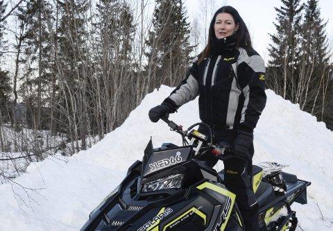 Lang kamp: – For min del har jeg vært leder i to år, men de som holdt på før meg, drev på med dette i 20 år, sier Hilde Elvebakk som gleder seg over scootervedtaket. Foto: Arne Forbord