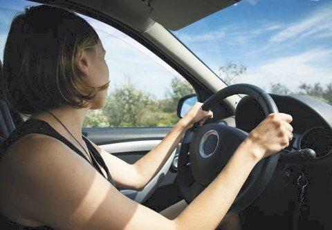 Kompetanse: – Vi må kunne stole på at alle som får førerkort har den kompetansen de trenger for å ferdes trygt i trafikken, sier Jon Georg Dale..