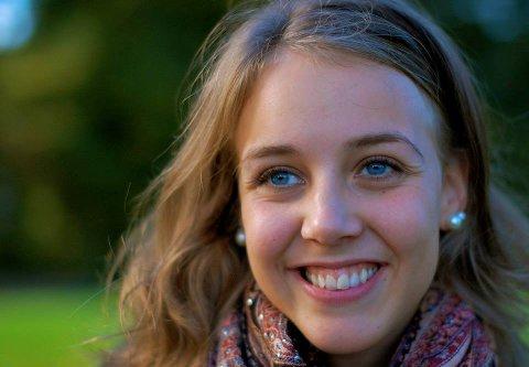 Linn Iren Sjånes Rødvand reiser til Indonesia for å forske på urspråk.