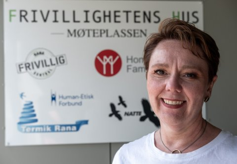– Jeg gleder meg veldig til å få være med å videreutvikle det frivillige arbeidet i Rana, sier May-Lis Bottolfsen (47). I løpet av høsten vil hun overta jobben som daglig leder ved Rana Frivilligsentral, når Stein E. Hovind (66) blir pensjonist.