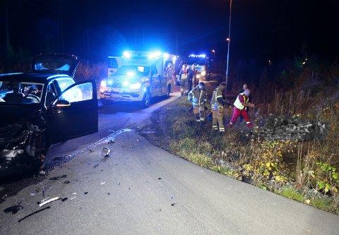 En bil har frontkollidert med en motorsykkel på Kilemoen.