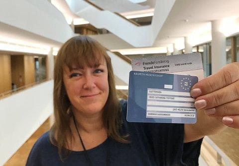 Heidi Tofterå Slettemoen, kommunikasjonssjef i Frende Forsikring, oppfordrer folk til å sjekke om helsekortet er gyldig.