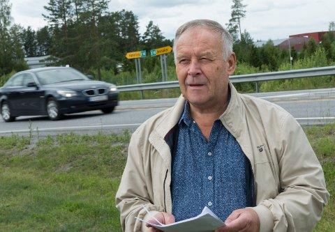 DYRT: Jan Stepanenko mener mange innbyggere på Jevnaker vil få en urimelig høy utgift til bompenger for å kjøre på gammel vei mellom Jevnaker og Hønefoss.