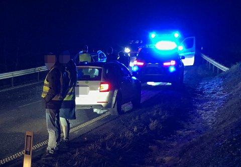 KØ: Det ble noe venting for de som kjørte på Kompveien onsdag kveld. FOTO: VIDAR SANDNES