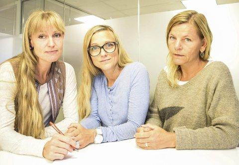 Ingen pekefinger: Grete Wold (til venstre), Katharina Omvik og Wenche Møgster oppfordrer alle i målgruppa om å ta kontakt. – Dette er lavterskel og helt ufarlig. Dessuten har vi har taushetsplikt, sier de. Foto: flemming Hofmann Tveitan