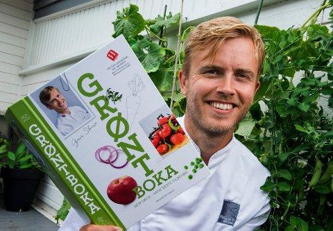 MESTERKOKKEN: Geir Skeie skal få oss til å løfte middagen til nye høyder. I sin nye bok tar han for seg tilbehøret og garnityret rundt en bedre middag.