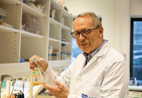 ALDRI FOR SENT: En påbegynt forskerkarriere skulle bli avbrutt av et langt liv med undervisning. For en drøy uke siden tok Jan Johansen Hempel (72) endelig doktorgraden ved Universitetet i Stavanger.