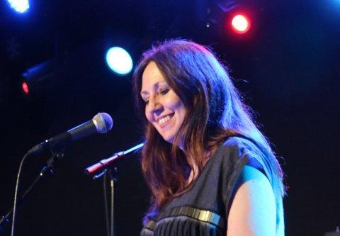 ROCK: Mona Stang Svendsen gleder seg til fredagens konsert i Fon-teltet. Hun er den eneste kvinnen på scenen når hun og de andre i Northwind byr på høy stemning og høy lyd sammen med to andre rockeband.