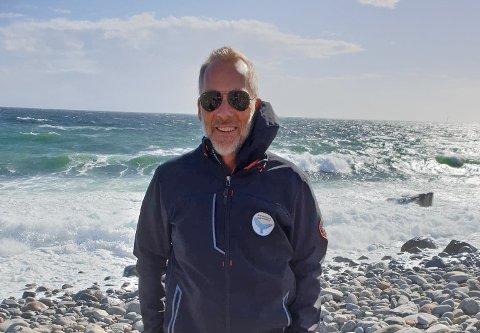 LIKER SEG VED VANNET: Gunnar Horn har flere sentrale roller i dykkemiljøet i Sandefjord. De siste årene har interessen for aktiviteten økt betraktelig.