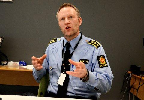 POLITIKONTAKT: - Vi har ikke mulighet til å levere en politikontakt som skal være hver eneste dag i uka i Snåsa. Da måtte jeg hatt 13 politikontakter i Namdalen. Det har jeg ikke, og det vil jeg heller ikke få, fastslår politistasjonssjef Svenn Ingar Viken.